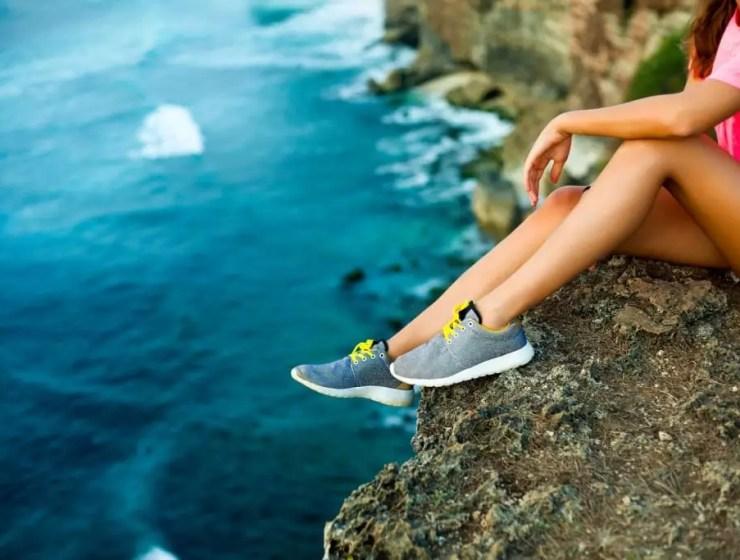 seyahat için spor ayakkabısı