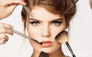 Genç Gösteren Makyaj Teknikleri Nelerdir?