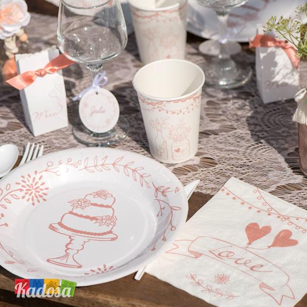 I piatti presentano le tonalità pastello tipiche dello stile shabby e decorano con stile la tavola, dando un tocco di delicata personalità.; Piatti Country Love Bianchi E Rosa Stile Provenzale 10 Pz Kadosa