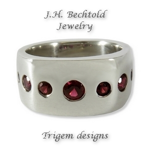 garnet-silver-ring