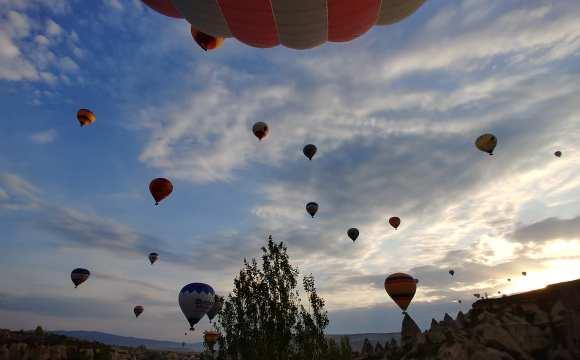 บรรยากาศการล่องบอลลูนที่คัปปาโดเกีย ประเทศตุรกี