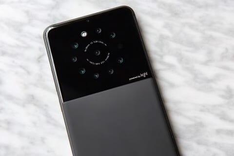 สมาร์ทโฟนต้นแบบของ Light มีกล้อง 9 ตัว!