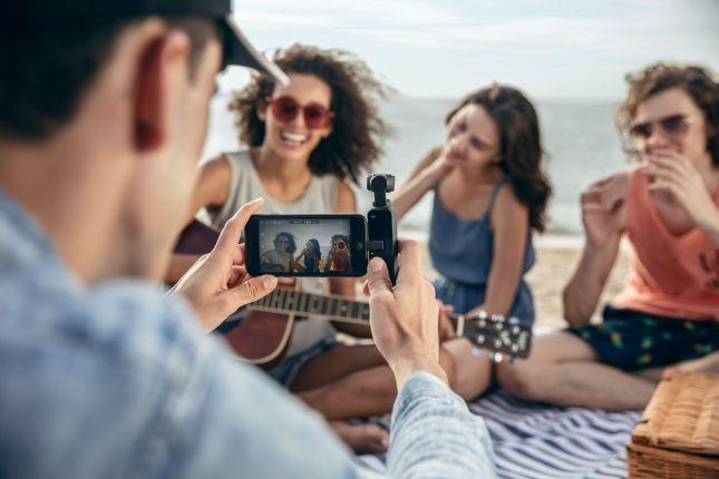 เก็บช่วงเวลาประทับใจง่ายๆ ด้วยกล้องพกพา DJI Osmo Pocket 2