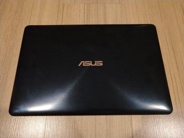 ตัวเครื่อง ASUS ZenBook Pro 15