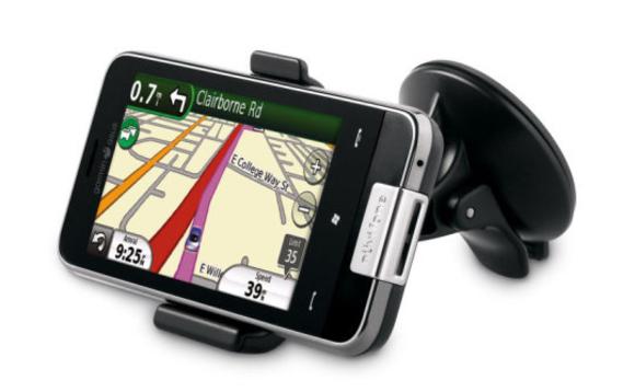 Garmin ASUS Nuvifone M10 รันระบบปฏิบัติการ Windows Mobile ในขณะนั้น (วางจำหน่าย พ.ศ. 2553)