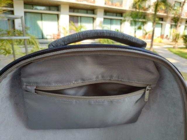 รีวิวกระเป๋าเป้ Cozistyle รุ่น City Backpack สีเทา เห็นเล็กๆ แต่จุไม่ใช่เล่น 8