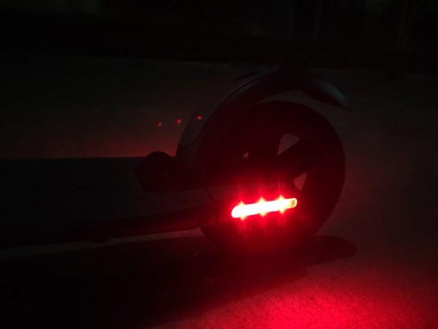คิดจะขี่สกู๊ตเตอร์ไฟฟ้า Ninebot Kickscooter ES2 ตะลุยกรุงเทพ อ่านนี่ก่อน จากประสบการณ์ขี่กว่า 2,500 กิโลเมตรของผม 11