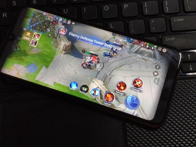 เอา Wiko View3 Lite ลองเล่นเกม ROV ดู