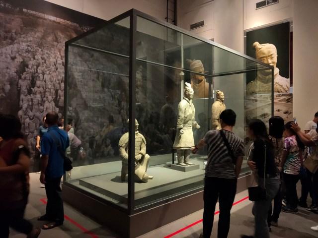 ภาพ 1x ของจุดจัดแสดงหุ่นดินเผาทหารสุสานจิ๋นซีฮ่องเต้