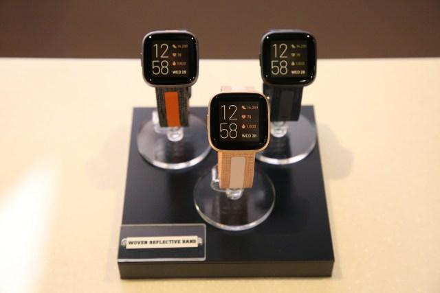 นาฬิกาอัจฉริยะ Fitbit Versa 2 3 เรือน สาย Reflective Band