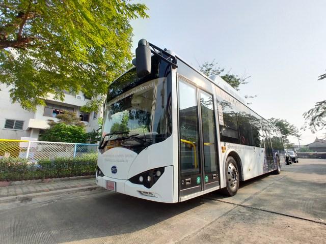รถเมล์ไฟฟ้า BYD K9 สีขาว
