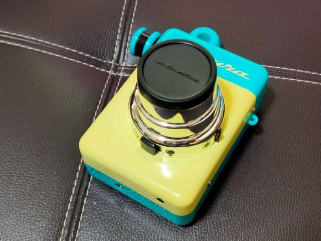 กล้อง Escura Instant 60s ดีไซน์วินเทจ ตัวกล้องสีเหลืองครีม คาดสีฟ้าอ่อน