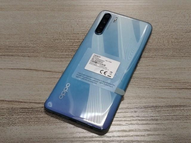 ด้านหลังของสมาร์ทโฟน OPPO A91