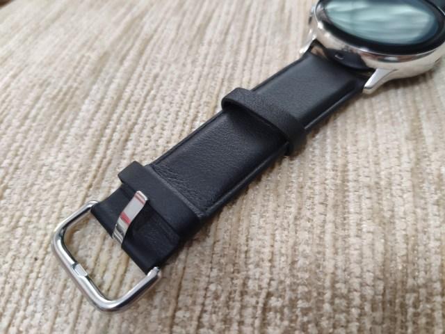 สายนาฬิกาด้านนึงของ Samsung Galaxy Watch Active 2