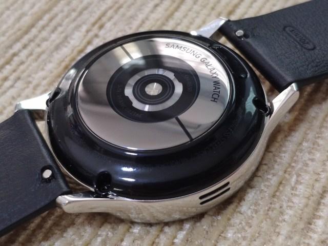 ด้านหลังของตัวเรือน Samsung Galaxy Watch Active 2