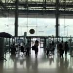 ทางเข้าสนามบินสุวรรณภูมิตรงประตู 2 ฝั่งผู้โดยสารขาเข้า