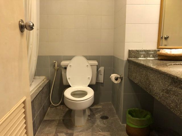 ห้องน้ำของห้อง 612 ในโรงแรม