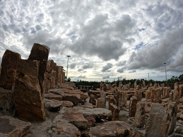 วิวสวนหินภายในสวนนงนุช เมืองพัทยา