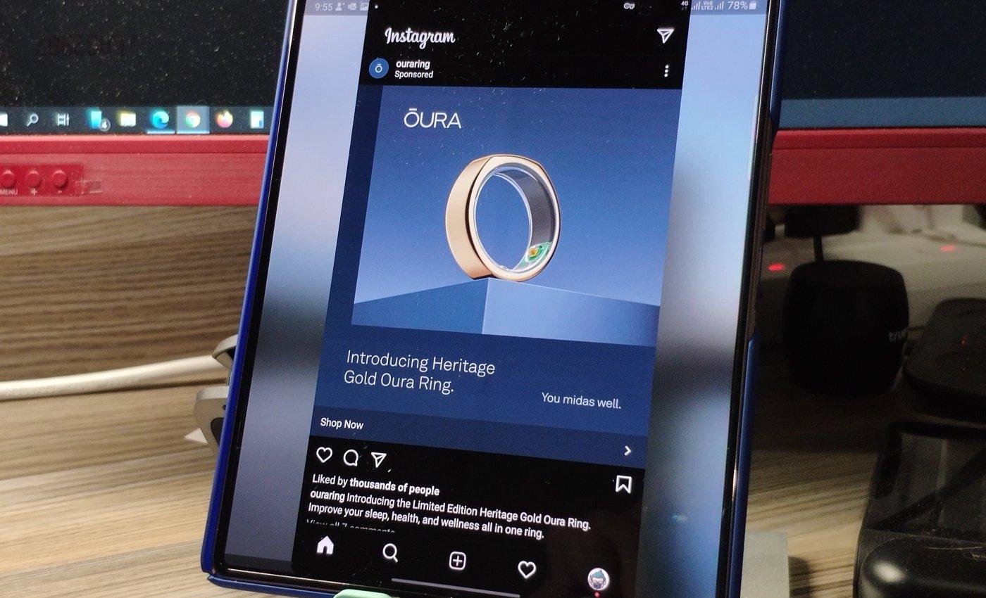 Samsung Galaxy Z Fold 2 เปิดแอป Instagram แบบไม่เต็มจอ แสดงผลออกจอใหญ่อยู่