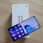 สมาร์ทโฟน Xiaomi Mi 11 5G และกล่องใส่