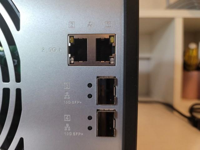 พอร์ต 2.5GbE และ 10GbE LAN ของ QNAP TS-932PX-4G