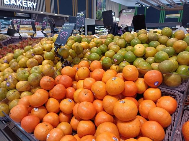 ภาพระยะใกล้ของจุดที่ขายส้ม