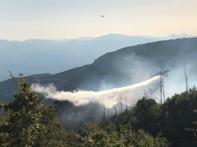 Τέθηκε υπό έλεγχο η φωτιά στις Χιράδες Μεγαλόπολης