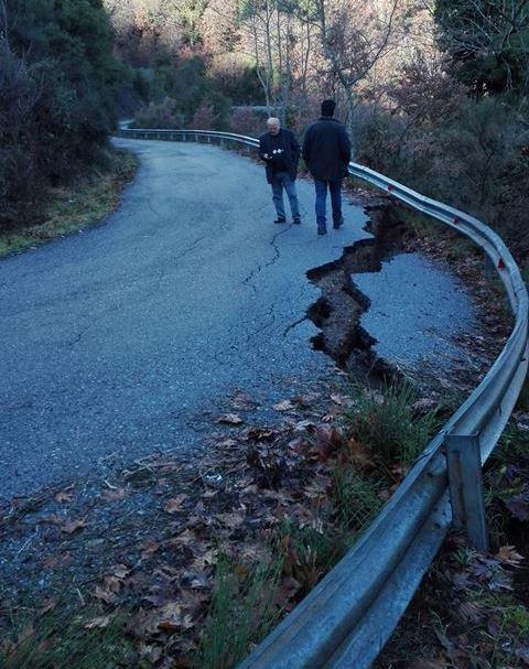 Επικίνδυνες καθιζήσεις στον Δρόμο για Ίσαρη-Βάστα, κίνδυνος να κλείσει ο δρόμος!