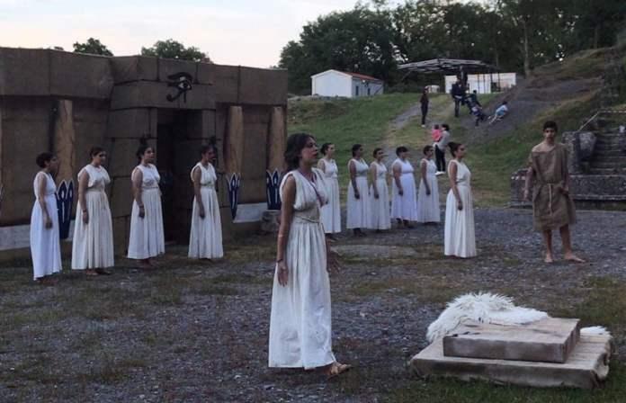 Αρχαίο Θέατρο: Εντυπωσίασαν οι μαθητές του Γυμνασίου Μεγαλόπολης με την ΕΛΕΝΗ του ΕΥΡΙΠΙΔΗ