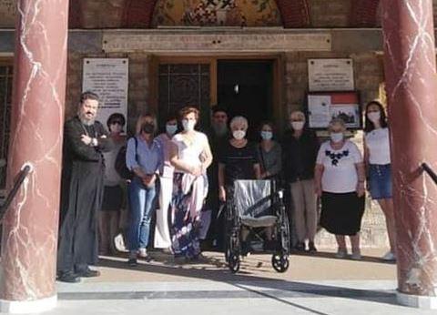Παράδοση Αναπηρικού αμαξιδίου από τον Σύλλογο Γυναικών Μεγαλόπολης προς το Φιλόπτωχο ταμείο του Ι. Ν. Αγίου Νικολάου