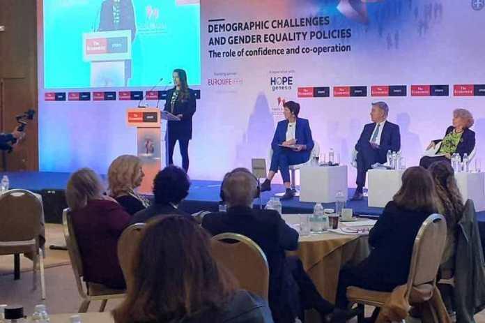Στο διεθνές συνέδριο του Economist o Γιώργος Κουλουράς