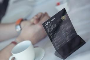 Scandic Nidelvens kaffemeny står lett tilgjengelig på alle gjestebord.