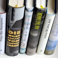 Acht Tage, sechs Bücher