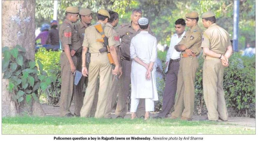 """When a picture is worth a thousand words. From The Indian Express, 25 September 2008, """"Delhi Newsline"""""""