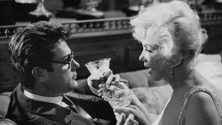 Love scene between Tony Curtis and Marilyn Monroe in Some Like It Hot