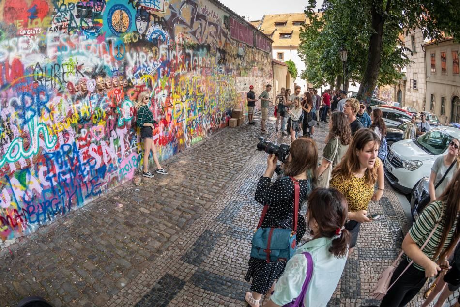 lennon-wall-prague-today