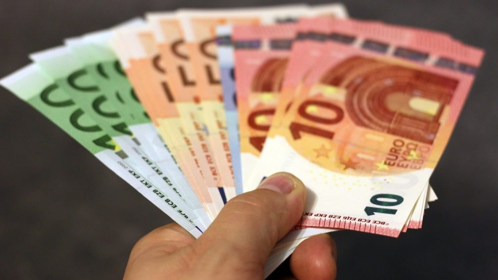 euro-slovak-minimum-wage