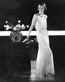 Edward Steichen photo, 1931. Molyneux dress. The Condé Nast collection.