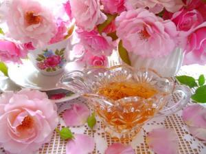 """""""Cottage Garden Rose-Petal Syrup .""""Photo: BecR on Food.com."""