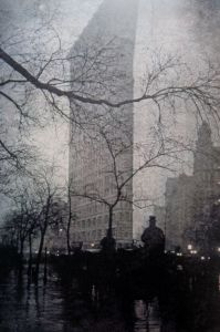 Photo: Edward Steichen. Flatiron building in twilight shadows. Source: eleanorjane.co.uk