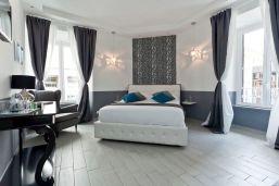 Relais Praxedis hotel room via Expedia.com