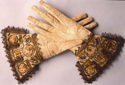 Ancient perfume gloves. Source: anyasgarden.com