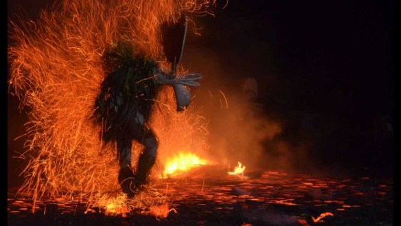 Baining Fire Dance. Source: Mikronesien on YouTube (Direct website link embedded within).