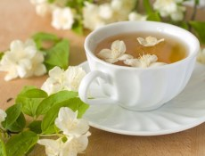 Jasmine tea via benefits-green-tea.com