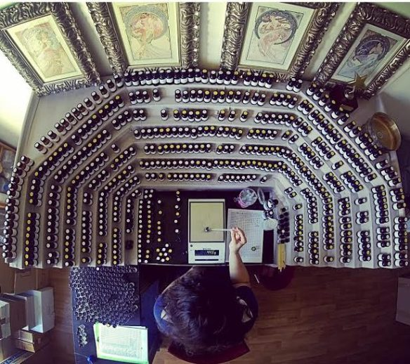 Her perfumer's organ. Source: Viktoria Minya