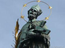 Nepomukstatue auf der Karlsbrücke