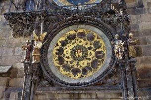 Astronomische Uhr auf dem Altstädter Ring