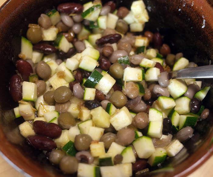 豆とズッキーニのサラダ