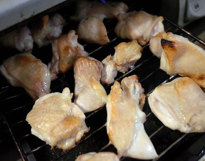 味噌煮込みうどんの鶏肉