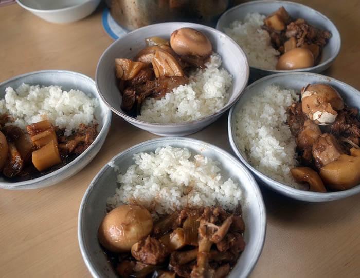 豚肉と鶏肉とレンコンのアドボ
